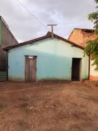 Vende se uma casa no novo horizonte