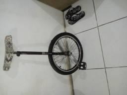 Bikes rebaixadas e monociclos