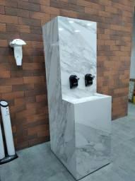 Bebedouro esculpido em Porce. a partir R$ 2.999,90 > Casa Nur - O Outlet do Acabamento