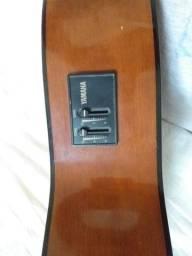 Violão Yamaha de Nylon elétrico