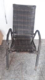Cadeira de fibra.
