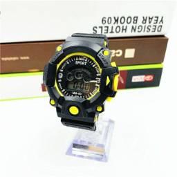 Relógio Esportivo com Luz LED SKMEI