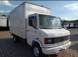 Título do anúncio: Caminhão Mb 710 Baú Para Vender