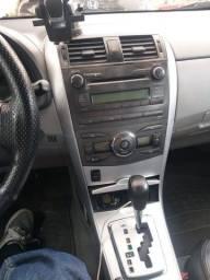 Vendo Corolla ano12/13automatico.