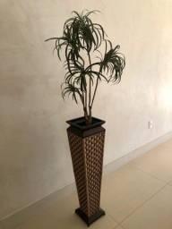 Vaso e planta artificial Dracena