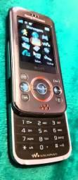 Estou vendendo celular de botão da operadora vivo.