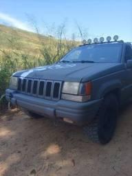 Jeep cherockee laredo top de linha