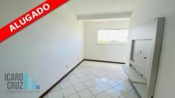 Apartamento com 2 dormitórios para alugar, 42 m² por R$ 900/mês *ALUGADO* - Portão - Lauro