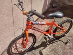 Título do anúncio: Bicicleta infantil usada aro 20 em ótimo estado de conservação.