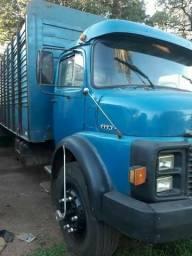 Caminhão boiadeiro 1113 Motor 352A Turbo