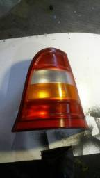 Título do anúncio: Lanterna traseira lado direito tricolor Classe A Original