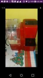 Máquina café expresso 3 coraçoes com cápsulas