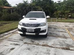 Toyota Hilux SW4 3.0 (07 lugares) 12/12 - 2012