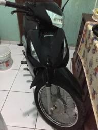 Vendo moto biz - 2010