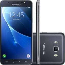 Smartphone Samsung Galaxy J7 SM-J710M