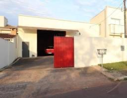 Barracão próx. da Av. Américo Sasdeli, com 180 m² de área construída!