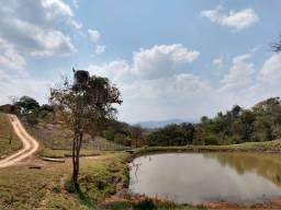 Fazenda em excelente localização, 10ha com dois lagos e uma nascente, terra de plantio