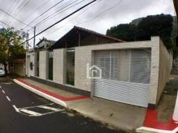 Oportunidade: Casa de esquina na região central de Vila Velha