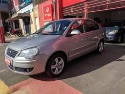 Vw/Polo Sedan 1.6 Comf. - 2011