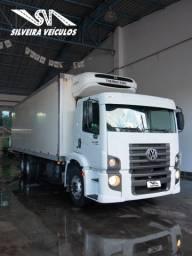 VW 24.280 Constellation - Ano: 2013 - Baú Refrigerado