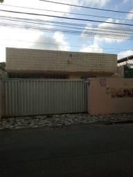 Casa à venda próximo a Av. Bezerra de Menezes, Monte Castelo-Fortaleza