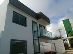 Casa em condomínio com 3 suítes no Miragem
