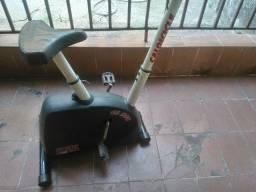 Bicicleta Ergométrica Caloi CL 200