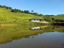 Sítio / Casa de frente pra Lagoa Grande e Mata Nativa.