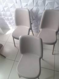 Vende-se 03 cadeiras Tramontina valor 600