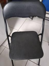 Título do anúncio: Cadeira dobrável estofada - usadas