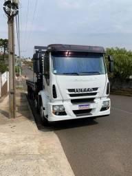 Título do anúncio: Caminhão Iveco tector 240E25s