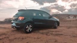 VW Gol 1.0 2011 Preto com rodão