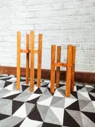2 Suporte de madeira para plantas