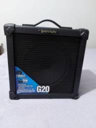 Caixa  amplificada  e microfone