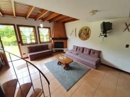 Propriedade com 2 Chalés e Casa de Caseiro - Cond. Florestal Club - Campos de Jordão/SP