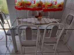 Título do anúncio: Mesa cadeiras .