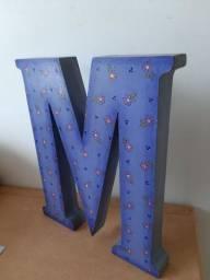 Letras M e P pintadas Mdf