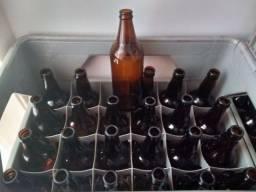 Garrafas de cerveja artesanal 600ml $ 1,25 cada.