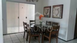 (08) Casa em Condomínio com 03 Quartos sendo 01 Suíte / Quintal Amplo.