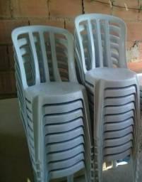 Cadeiras brancas 140kg