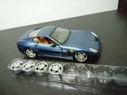 Ferrari 599 1/24 Troco por miniaturas Moto 1/18