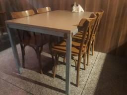 Mesas com 4 lugares