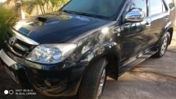Hilux SW4 4x4 Diesel - Toyota
