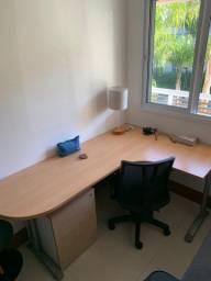 Vendo mesa de escritório Novíssima madeira boa