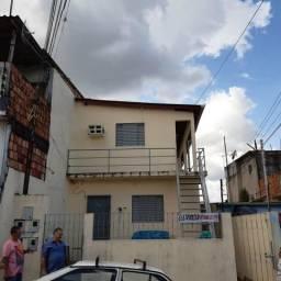Compensa prédio 2 pavimentos, 2 casas de 2 qts cada e 2 apto R$160.000