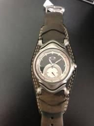 Relógio Oakley com etiqueta, Produto de vitrine