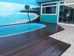 Deck piscina instalações
