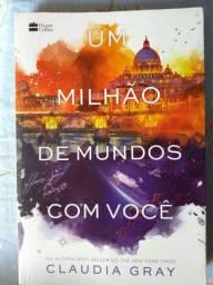 Livro UM MILHÃO DE MUNDOS COM VOCÊ