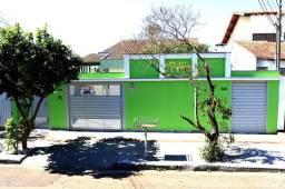 Ótima casa para empresas ou moradia