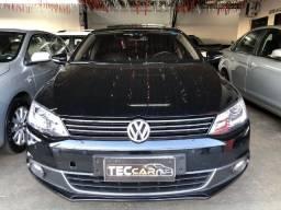 Volkswagen Jetta Highline 2.0 TSI 2013
